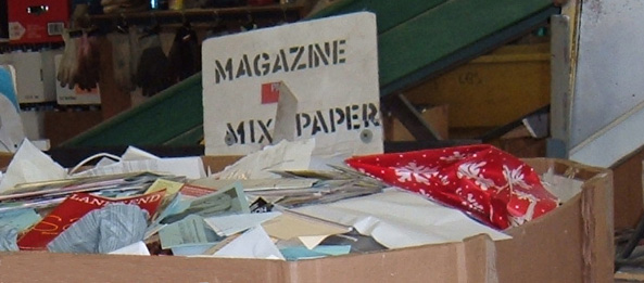 sign for magazines and mixed paper